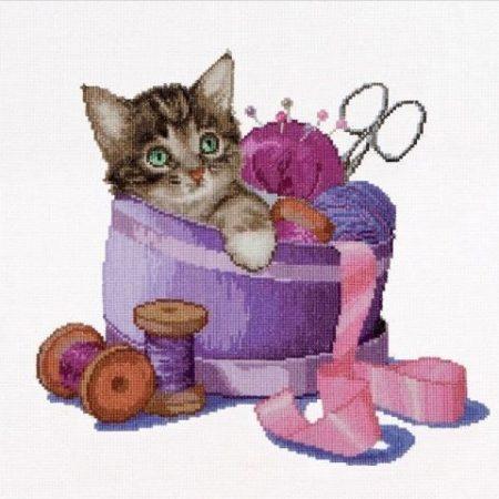 Thea Gouverneur Borduurpakket Aida Sewing Basket Kitten Kitten in een Naaimand 736