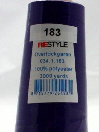 Polyester lockgaren paars 034.1.183. Lengte: 2700 meter