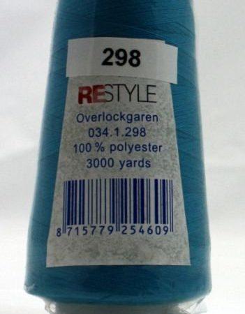 Polyester lockgaren lichtblauw 034.1.298. Lengte: 2700 meter