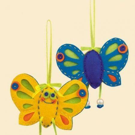 Viltpakket van het merk Riolis. Compleet viltpakket. Een vlinder