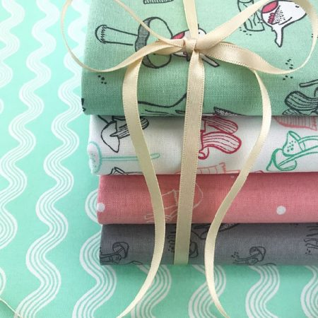 Fat quarter quiltstofpakket Little Bird. Vijf quiltstoflapjes