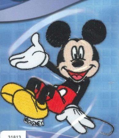 Strijkapplicatie. Geborduurd. Zittende Mickey Mouse.