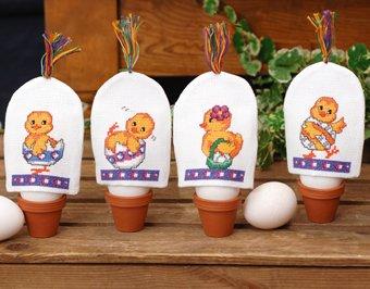 Permin Borduurpakket Aida Chickens Kuikens Set van Vier Eierwarmers