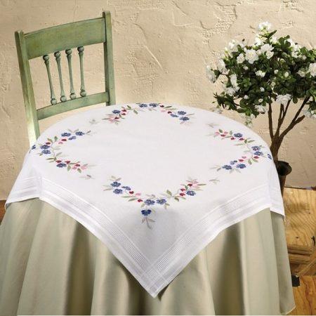 Deco-line tafelkleed voorbedrukt katoen 11-702. Afmetingen: 80 x 80 cm