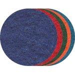 Wolvilt van La Fourmi. Een set van tien stuks vilten schijven met een diameter van 10 cm. De set bestaat uit vijf verschillende kleuren.