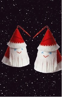 Viltpakket van De Witte Engel. Compleet. Twee guitige kerstboomhangers