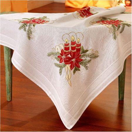 Deco-line kerst tafelkleed voorbedrukt katoen 21-148. Afm.: 80 x 80 cm.