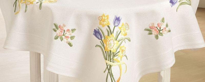 Deco-line tafelkleed voorbedrukt katoen 11-151. Afmetingen: 80 x 80 cm