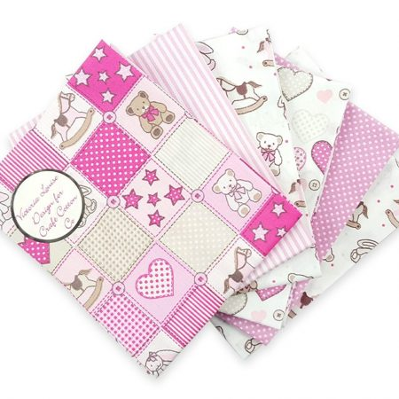 Fat quarter quiltstofpakket Baby pink Teddy. Merk: The Craft Cotton Co