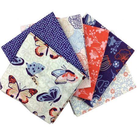 Fat quarter quiltstofpakket Larkspur. Merk: Visage Textiles Ltd