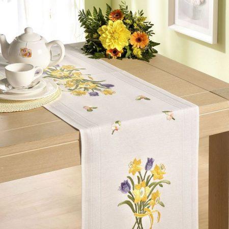 Deco-line tafelloper voorbedrukt katoen 11-151. Afmetingen: 40 x 100 cm