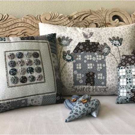 Patroon voor een kussen. Lynette Anderson Designs. Sweet Home Pillows