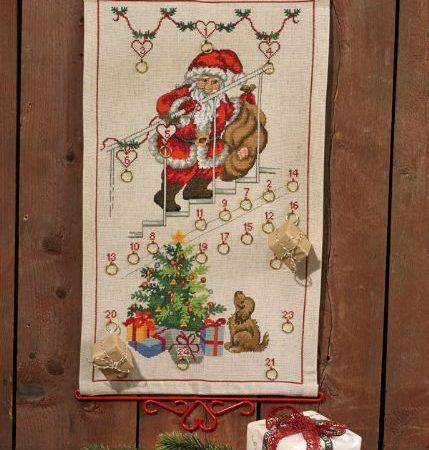 Borduurpakket. Adventskalender. Merk: Permin. Kerstman op de trap.