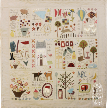Quiltpatroon. Merk: Hatched and Patched. Dancing Cickens & Flying Pigs.