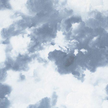 Quiltstof. 100% katoen. Merk: Timeless Treasures. Wicked. Fog. Wolken.