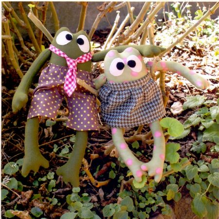 Naaipatroon Melly & Me. Clancy & Clarabel. Een scheel kijkende kikker.