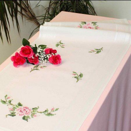 Deco-line tafelloper voorbedrukt katoen 10-295. Afmetingen: 40 x 100 cm