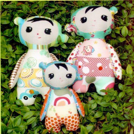 Melly & Me naaipatroon M017. Sangsang. Het maken van een leuke pop.