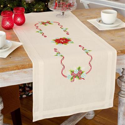 Vervaco kerst tafelloper voorbedrukt 0150998. Borduurpakket