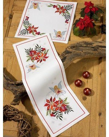Permin kerst tafelloper aida. Afmetingen van de tafelloper zijn: 24 x 70 cm